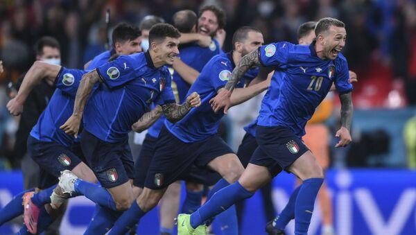 EURO 2020'nin ilk finalisti İtalya - Sputnik Türkiye