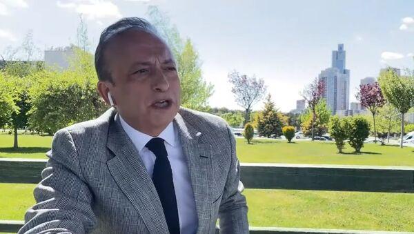Spiker Levent Özçelik - Sputnik Türkiye