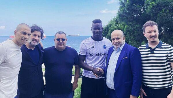 Mario Balotelli - Adana Demirspor ile sözleşme - Sputnik Türkiye
