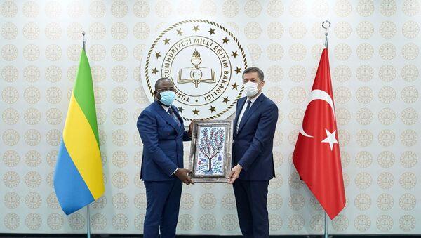 Gabon Cumhuriyeti Eğitim Bakanı Patrick Mouguıama-Daouda - Ziya Selçuk - Sputnik Türkiye