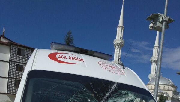 Trabzon'un Sürmene ilçesindeki bir vakaya müdahaleye giden 112 Acil Servis ekibine sözlü ve fiili saldırıda bulunulduğu belirtildi. - Sputnik Türkiye