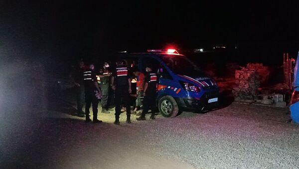 Kırşehir'in Boztepe ilçesi yakınlarında Biyogaz inşaatında meydana gelen göçükte 3 işçi yaralandı. - Sputnik Türkiye