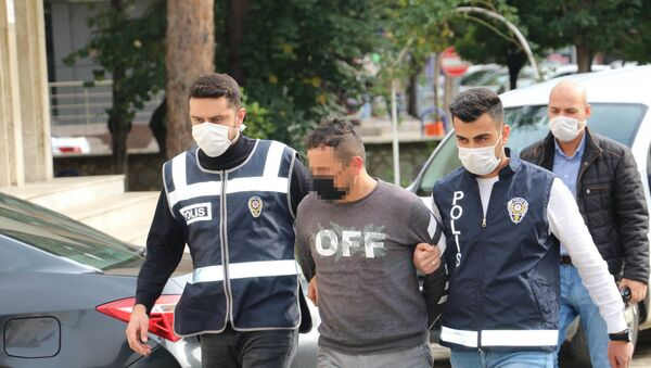 Avukatı bıçaklayıp bir gözünü kaybetmesine neden olmuştu: Peruklu saldırgana 18 yıl hapis - Sputnik Türkiye