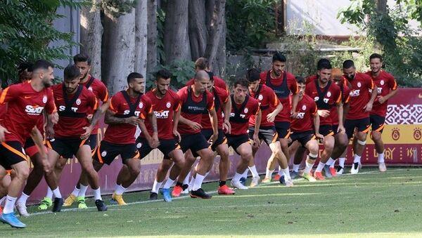Galatasaray Florya Metin Oktay Tesisleri antrenman - Sputnik Türkiye