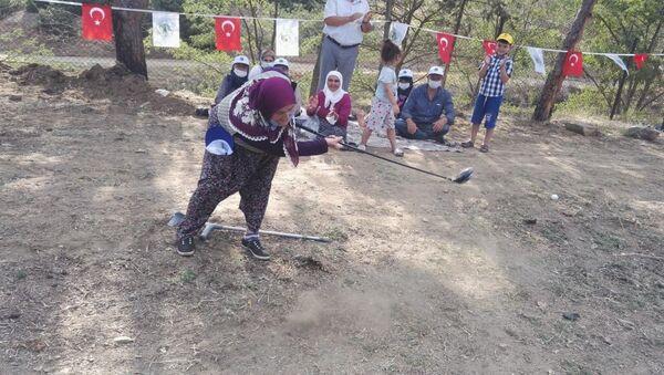 Türkiye'de golf turnuvası düzenleyen ilk köy oldular: 'Sırada köy olimpiyatları var' - Sputnik Türkiye