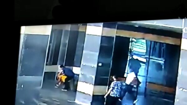Şanlıurfa'da doktor ve başhekim yardımcısı yumruk yumruğa kavga etti - Sputnik Türkiye