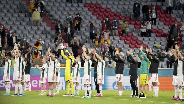 Macaristan'dan UEFA'nın seyircisiz oynama ve para cezası kararına tepki - Sputnik Türkiye