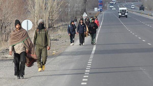 Afganların göçü devam ediyor - Sputnik Türkiye