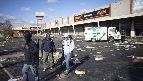 Güney Afrika'daki protestolarda can kaybı 45'e yükseldi - Sputnik Türkiye