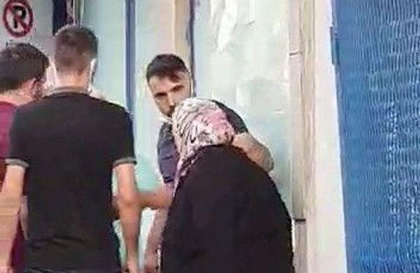 Sancaktepe'de silahlı şahıs annesini tartakladı - Sputnik Türkiye