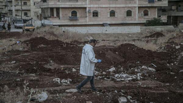 Afrin'deki toplu mezarlar - Sputnik Türkiye