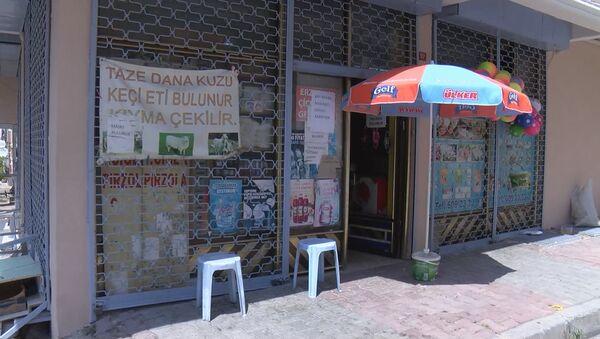 Kasap ve bakkalların 'et çekme' tartışması: 'Bakkallar ekmeğimize göz dikiyor' - Sputnik Türkiye