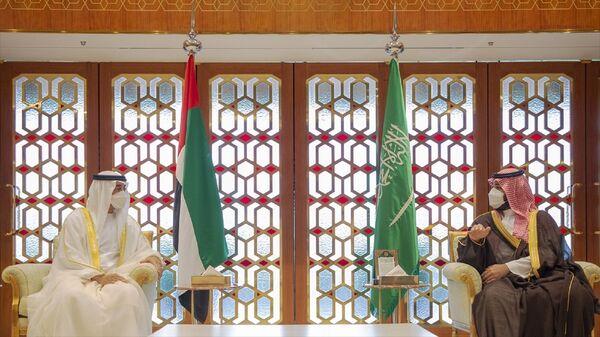 Suudi Arabistan Veliaht Prensi Muhammed bin Selman ile Birleşik Arap Emirlikleri (BAE) Veliaht Prensi Muhammed bin Zayid Al Nahyan - Sputnik Türkiye