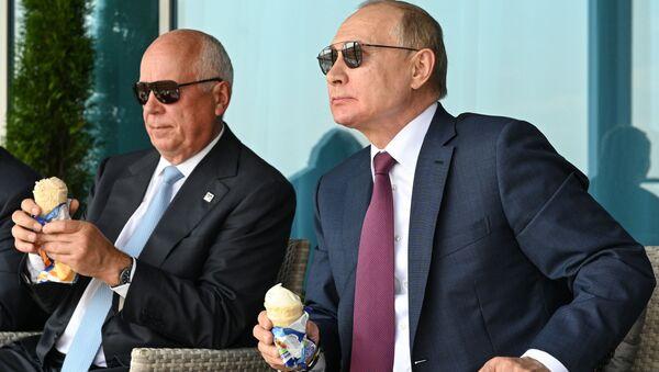 Vladimir Putin dondurma - Sputnik Türkiye