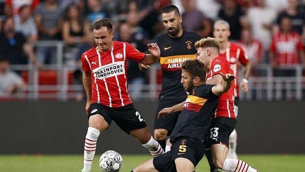 UEFA Şampiyonlar Ligi 2. Eleme Turu ilk maçında Galatasaray, Hollanda ekibi PSV'ye deplasmanda 5-1 mağlup oldu  - Sputnik Türkiye