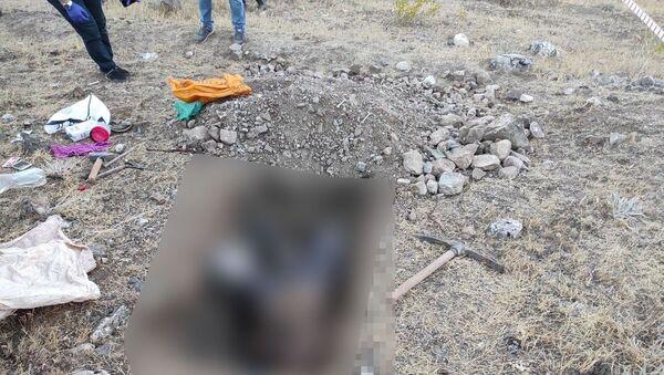 Define ararken cansız bedeni bulunan M.T. Elazığ - Sputnik Türkiye