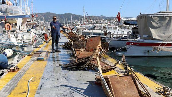 Denizden kanepe de çıktı market arabası da - Sputnik Türkiye