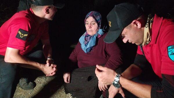 Uludağ'da odun toplamak için gittiği ormanda kaybolan kadın 53 saat sonra sağ bulundu - Sputnik Türkiye