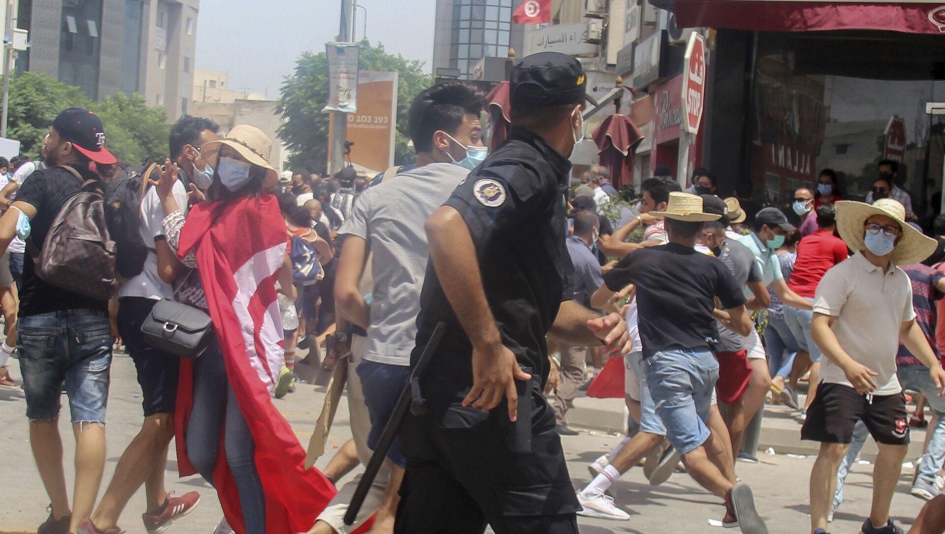 Tunus - Polis - Darbe - Güvenlik Güçleri - Protesto - Sputnik Türkiye, 1920, 26.07.2021