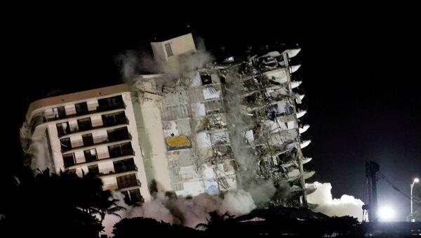 Miami'de çöken bina - Sputnik Türkiye