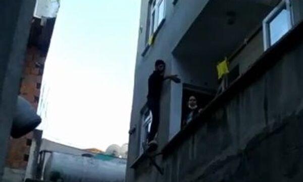 Hırsız, pencerede mahsur kaldı - Sputnik Türkiye