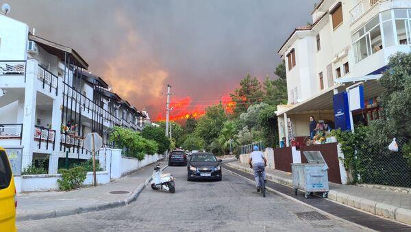 Marmaris'te orman yangını - Sputnik Türkiye