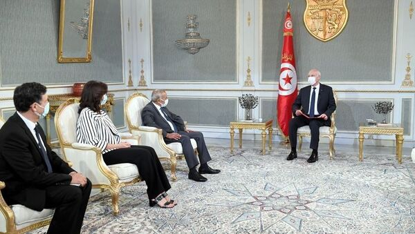Tunus Cumhurbaşkanı Kays Said, haklar yasa çerçevesinde korunduğu için ülkede adaletsizliğe, gasp veya fonlara el konulmasına yer olmadığını söyledi. - Sputnik Türkiye