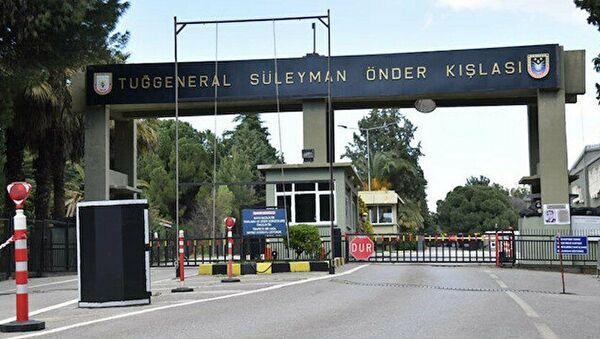 İzmir'de kışlaya yönelik 'sabotaj' girişimi  - Sputnik Türkiye