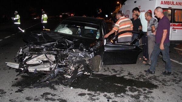 Erzincan'da meydana gelen trafik kazasında 10 aylık bebek hayatını kaybederken 7 kişi de yaralandı. - Sputnik Türkiye
