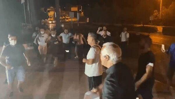 Marmaris'te Halk TV ekibine canlı yayında saldırı - Sputnik Türkiye