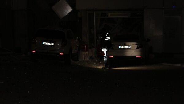 Ankara'nın Yenimahalle ilçesinde bir akaryakıt istasyonunun yazıhanesinde gaz sıkışması nedeniyle patlama meydana geldi.  - Sputnik Türkiye