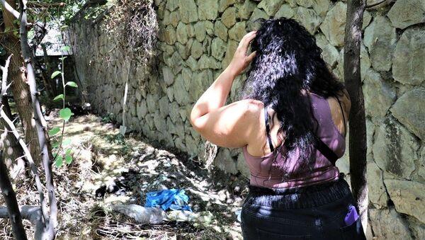Ankara'da 55 yaşındaki bir kadının bahçesinde toprağa gömülmüş 10 ölü köpek bulundu.  - Sputnik Türkiye