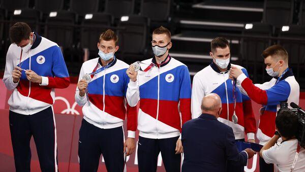 Rus erkek voleybol takımı Olimpiyat turnuvası finalinde Fransa'ya yenilerek gümüş madalyanın sahibi oldu. - Sputnik Türkiye