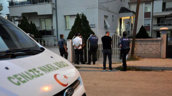 Kayınvalidesini öldürdü, eşini ve kayınbiraderini yaraladı - Sputnik Türkiye