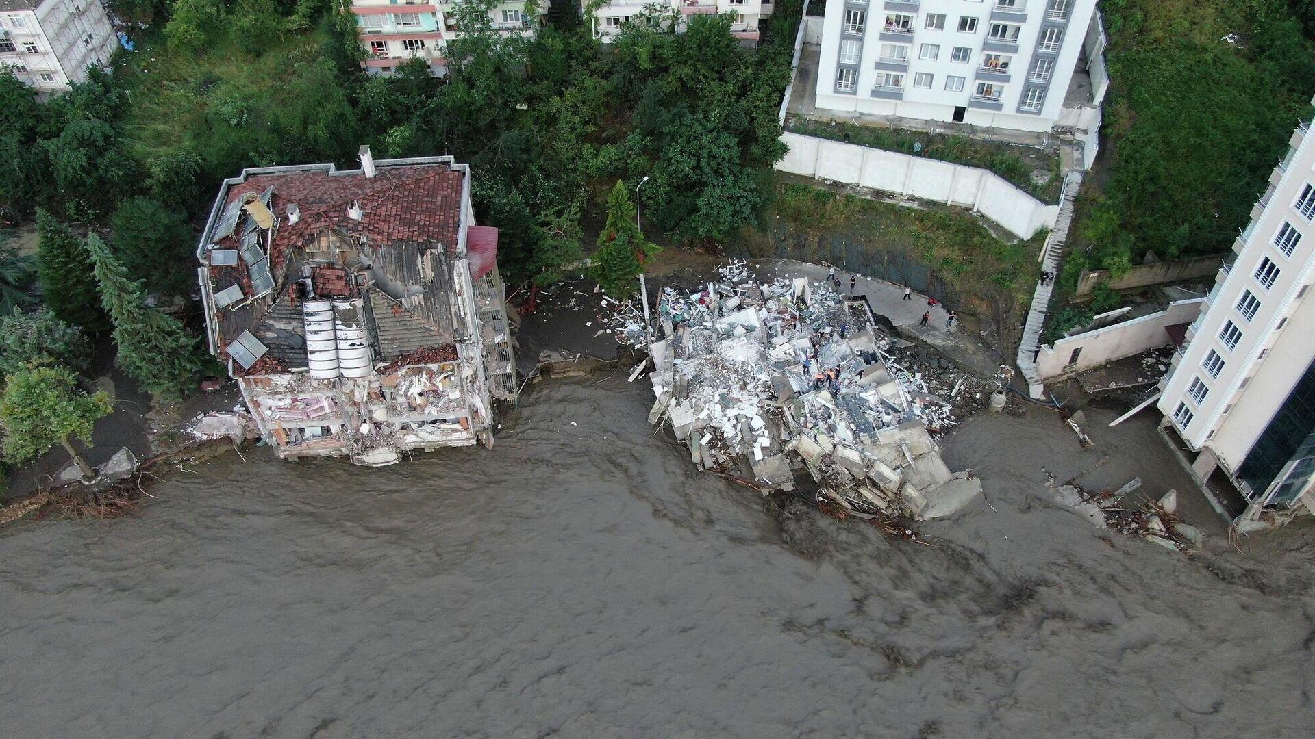 Bozkurt'taki sel felaketinin boyutu gün ağarınca ortaya çıktı - Sputnik Türkiye, 1920, 14.08.2021