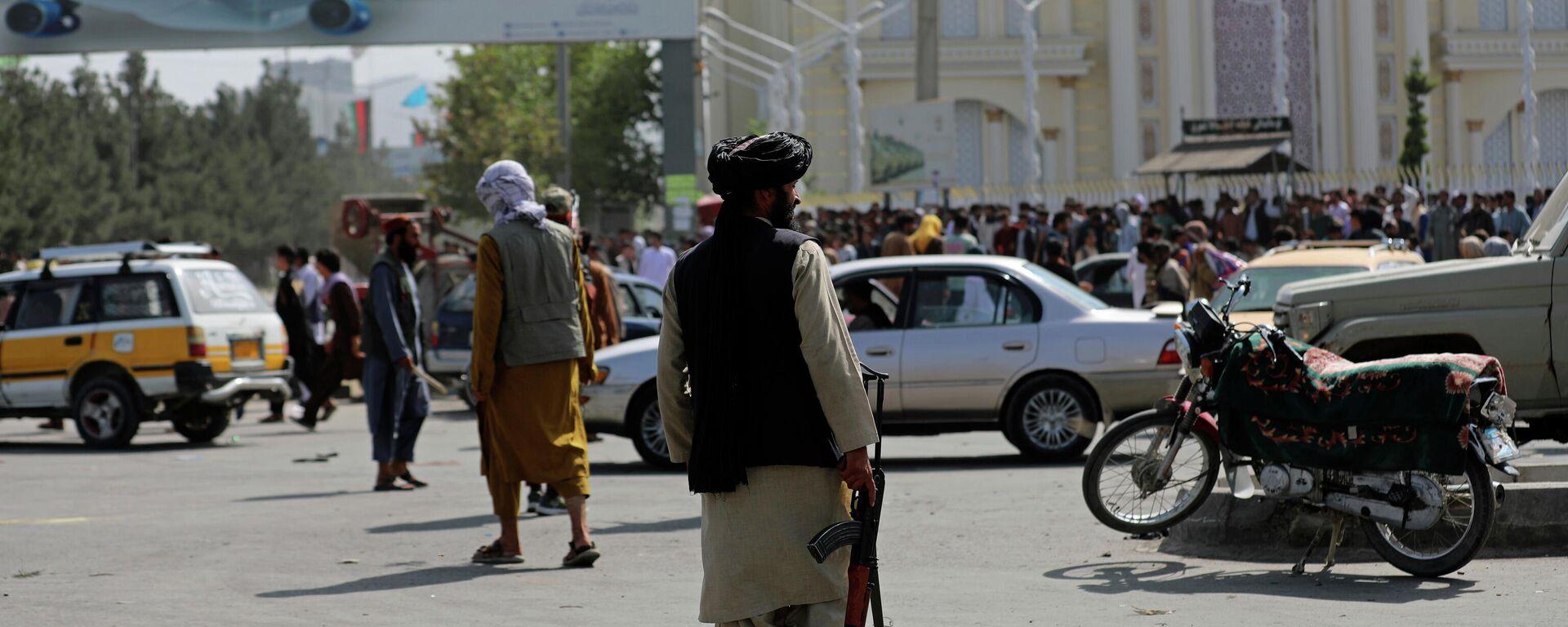 Afganistan'da yeni dönem |  Rusya: Taliban'ın temel insan haklarını gözeteceğini umuyoruz - Sputnik Türkiye, 1920, 18.08.2021