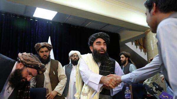 Afganistan'da Taliban dönemi | Örgüt Sözcüsü: Hükümeti oluşturduktan sonra her şey daha net olacak - Sputnik Türkiye