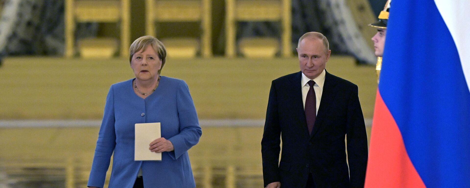 Kremlin'de Putin-Merkel görüşmesi başladı - Sputnik Türkiye, 1920, 20.08.2021
