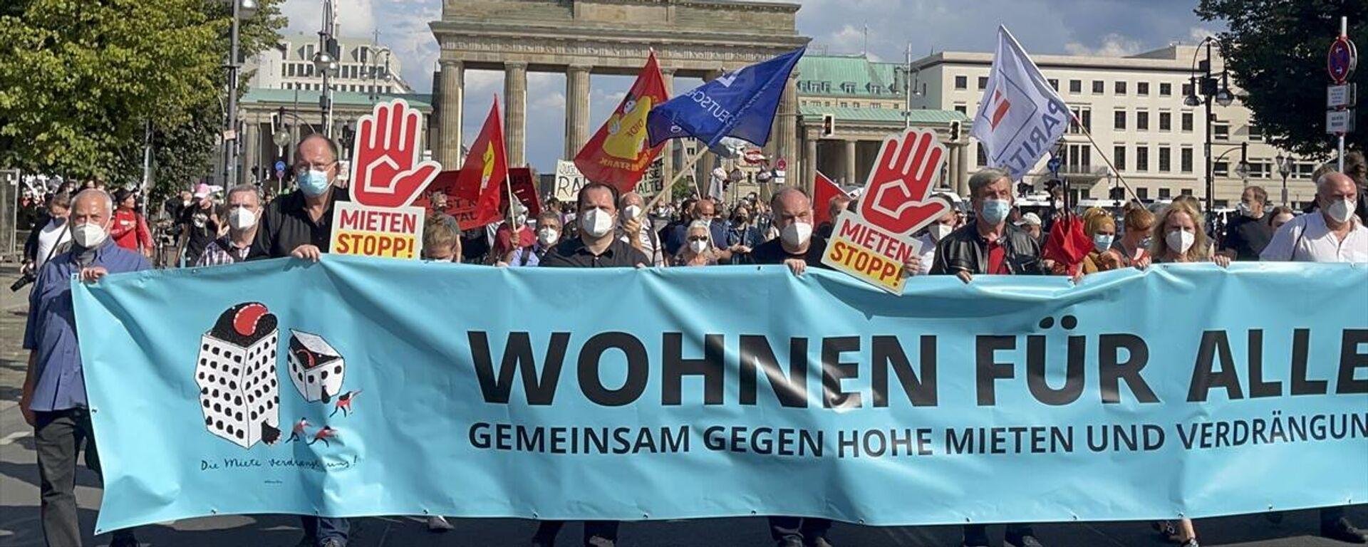 Almanya'da artan konut fiyatları Berlin'de binlerce kişi tarafından protesto edildi - Sputnik Türkiye, 1920, 11.09.2021