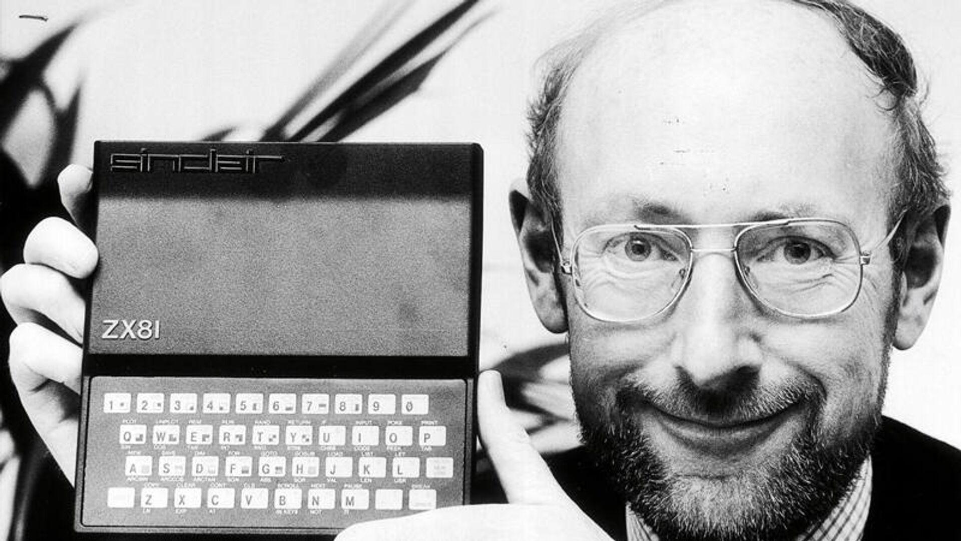 Sir Clive Sinclair  - Sputnik Türkiye, 1920, 17.09.2021