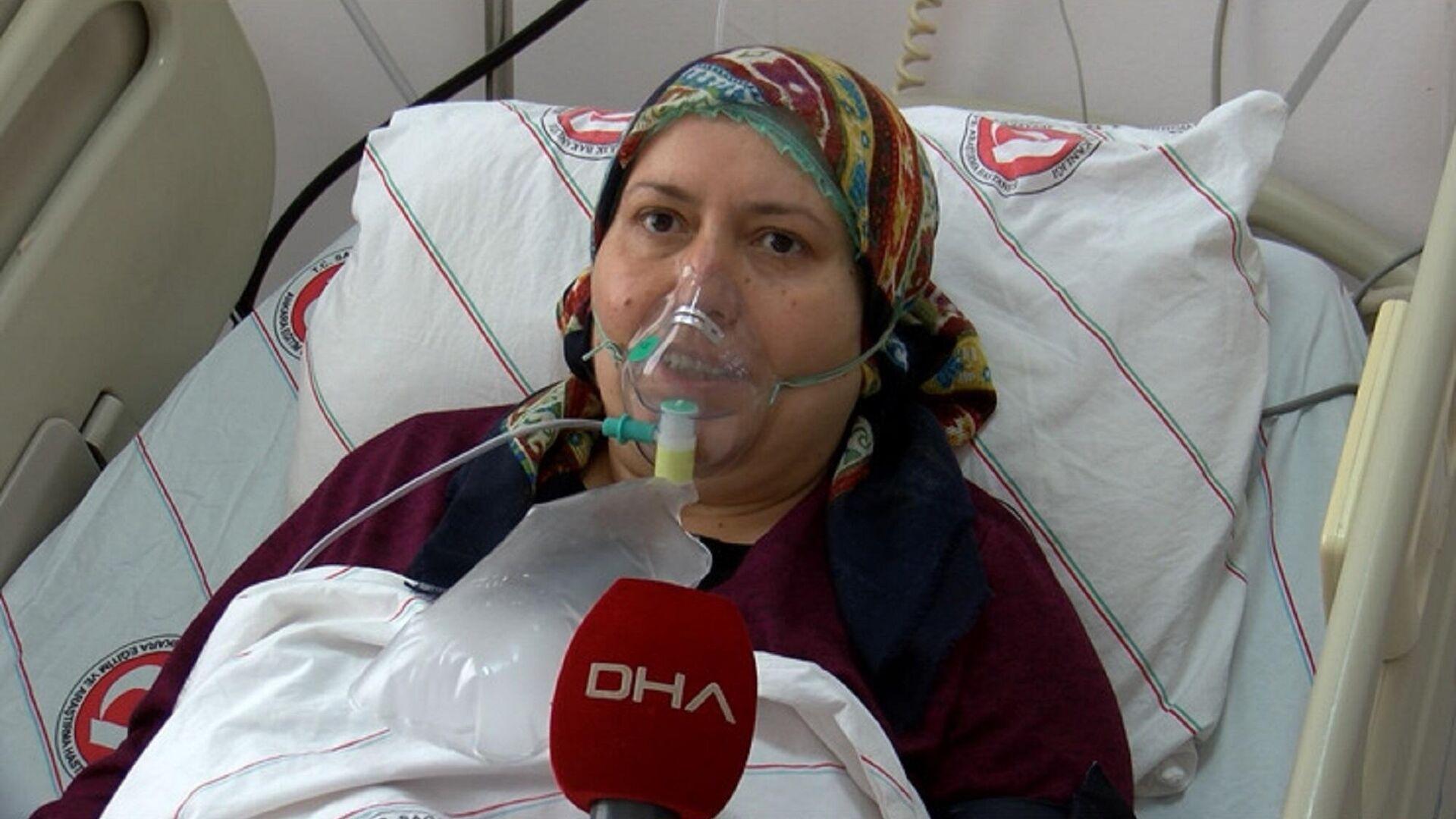 Ankara'da yoğun bakımda kovid tedavisi gören ve aşı karşıtı olan ev kadını Şükran Yücel - Sputnik Türkiye, 1920, 24.09.2021