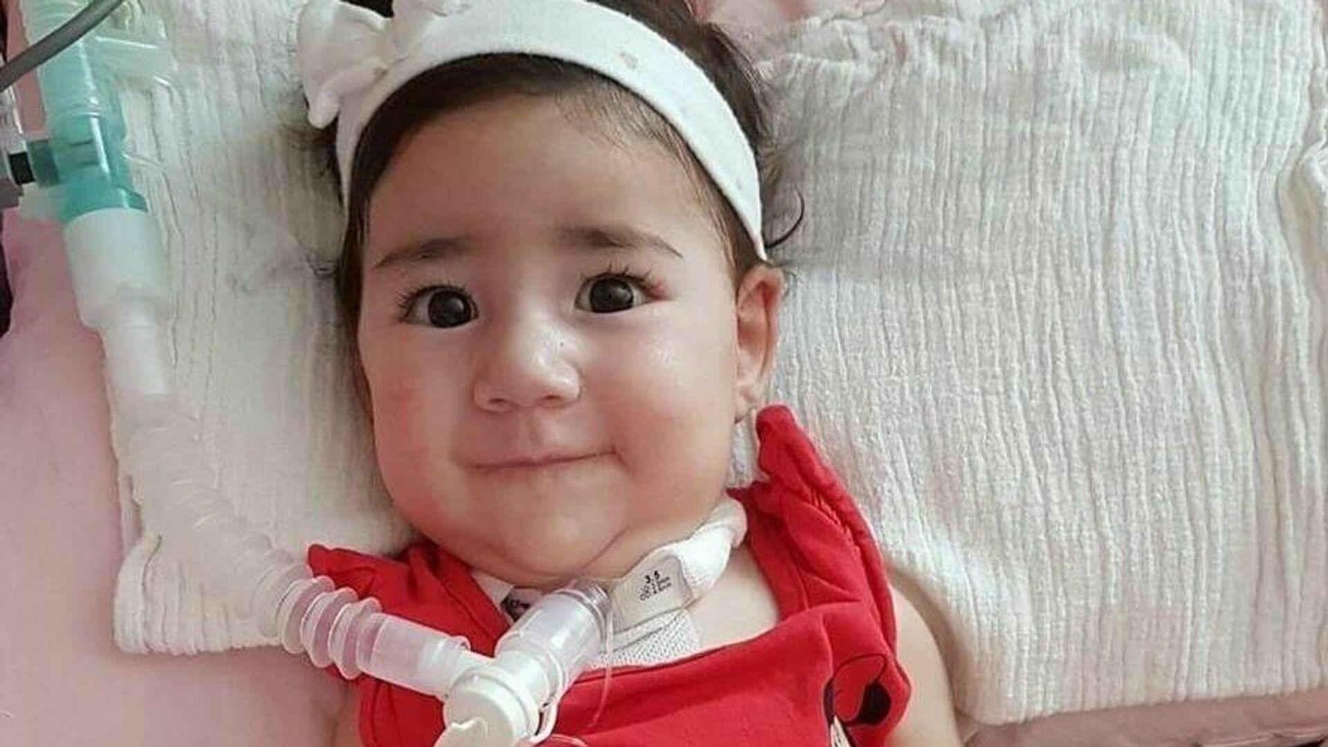 Asya bebek, tedavi için Türkiye'den Güney Kıbrıs'a götürülüyor - Sputnik Türkiye, 1920, 27.09.2021