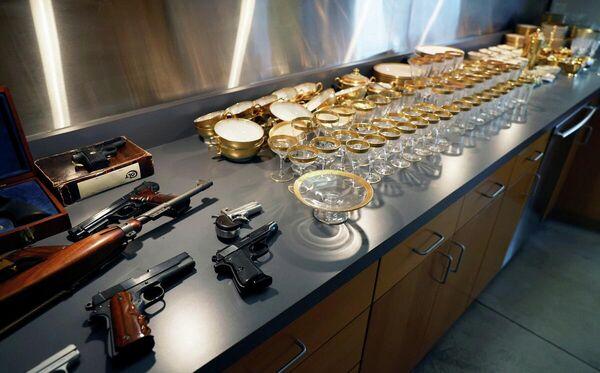 Sacramento kentinde yapılacak açık arttırmada Al Capone'a ve ailesine ait 174 adet kişisel eşya satılacak. - Sputnik Türkiye