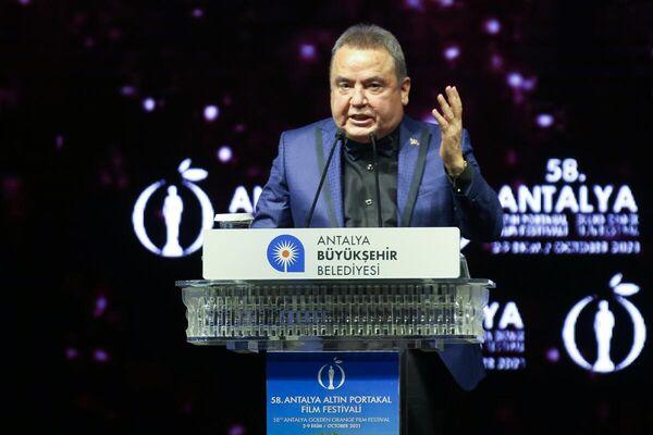 Antalya Büyükşehir Belediye Başkanı Muhittin Böcek, törende konuşma yaptı. - Sputnik Türkiye