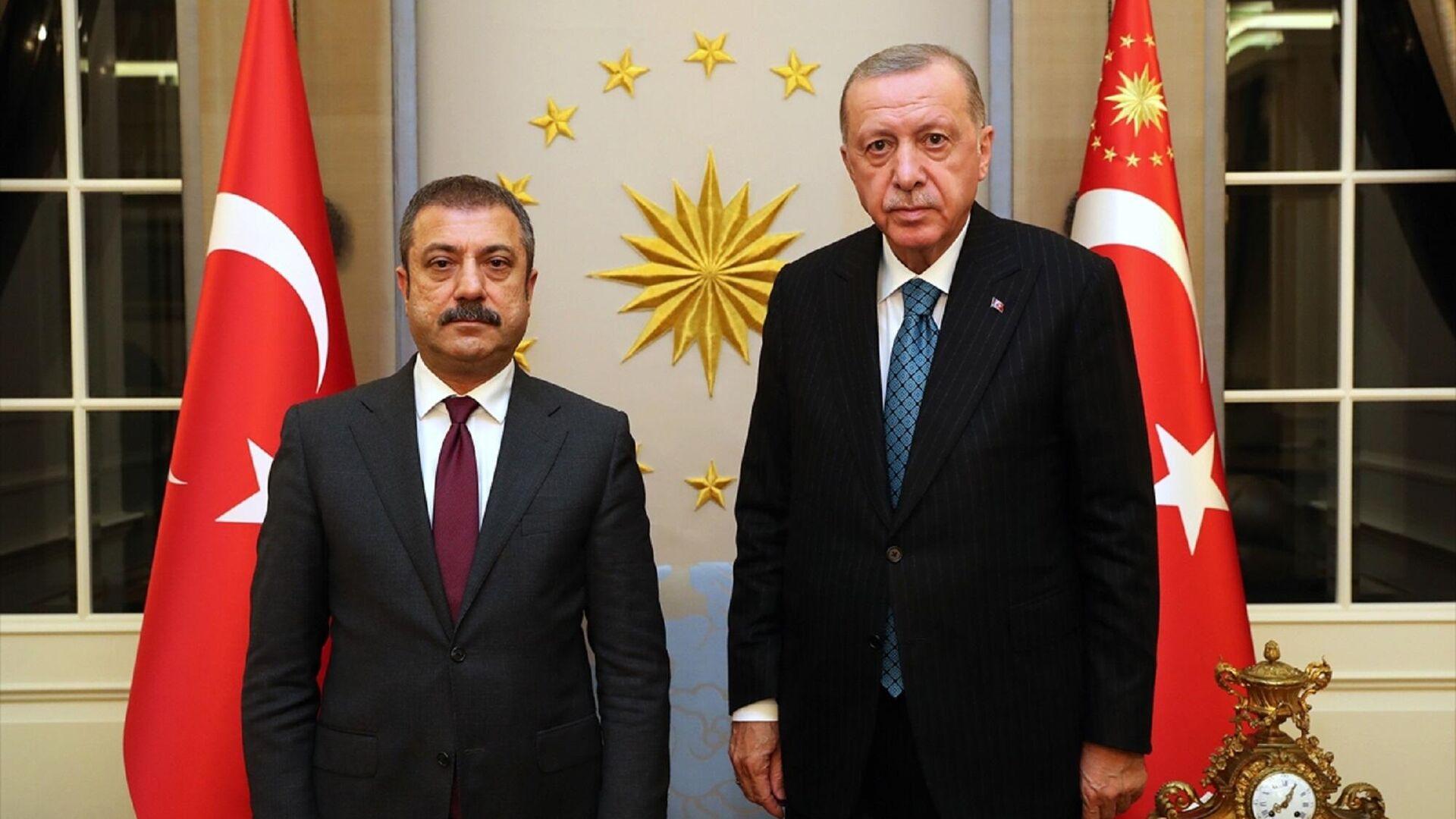 Cumhurbaşkanı Recep Tayyip Erdoğan, TCMB Başkanı Şahap Kavcıoğlu'nu kabul etti.   - Sputnik Türkiye, 1920, 13.10.2021