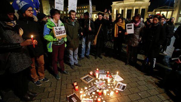 Charlie Hebdo'ya saldırı, Berlin'de de protesto edildi - Sputnik Türkiye