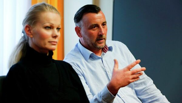 PEGIDA'nın istifa eden liderleri Kathrin Oertel ve Lutz Bachmann - Sputnik Türkiye