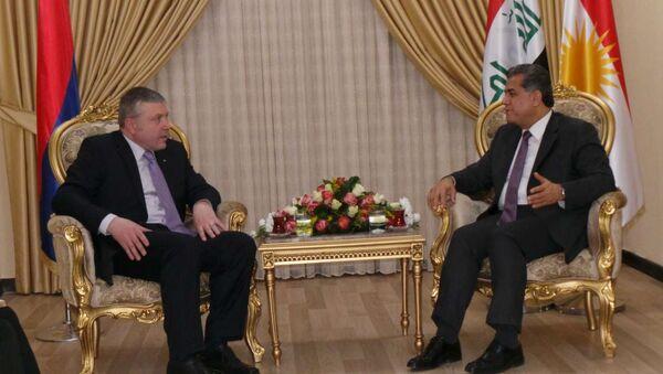 Kürdistan Bölgesel Yönetimi Dış İlişkiler Sözcüsü Falah Mustafa ve Ermenistan Bağdat Büyükelçisi Karin Gregorian - Sputnik Türkiye