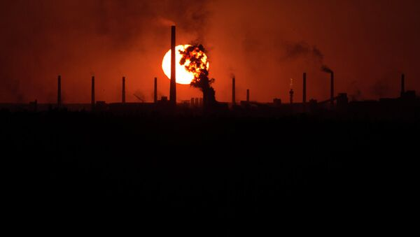 Donetsk fabrika patlama - Sputnik Türkiye