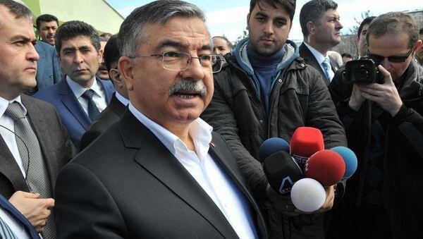 Milli Savunma Bakanı İsmet Yılmaz - Sputnik Türkiye